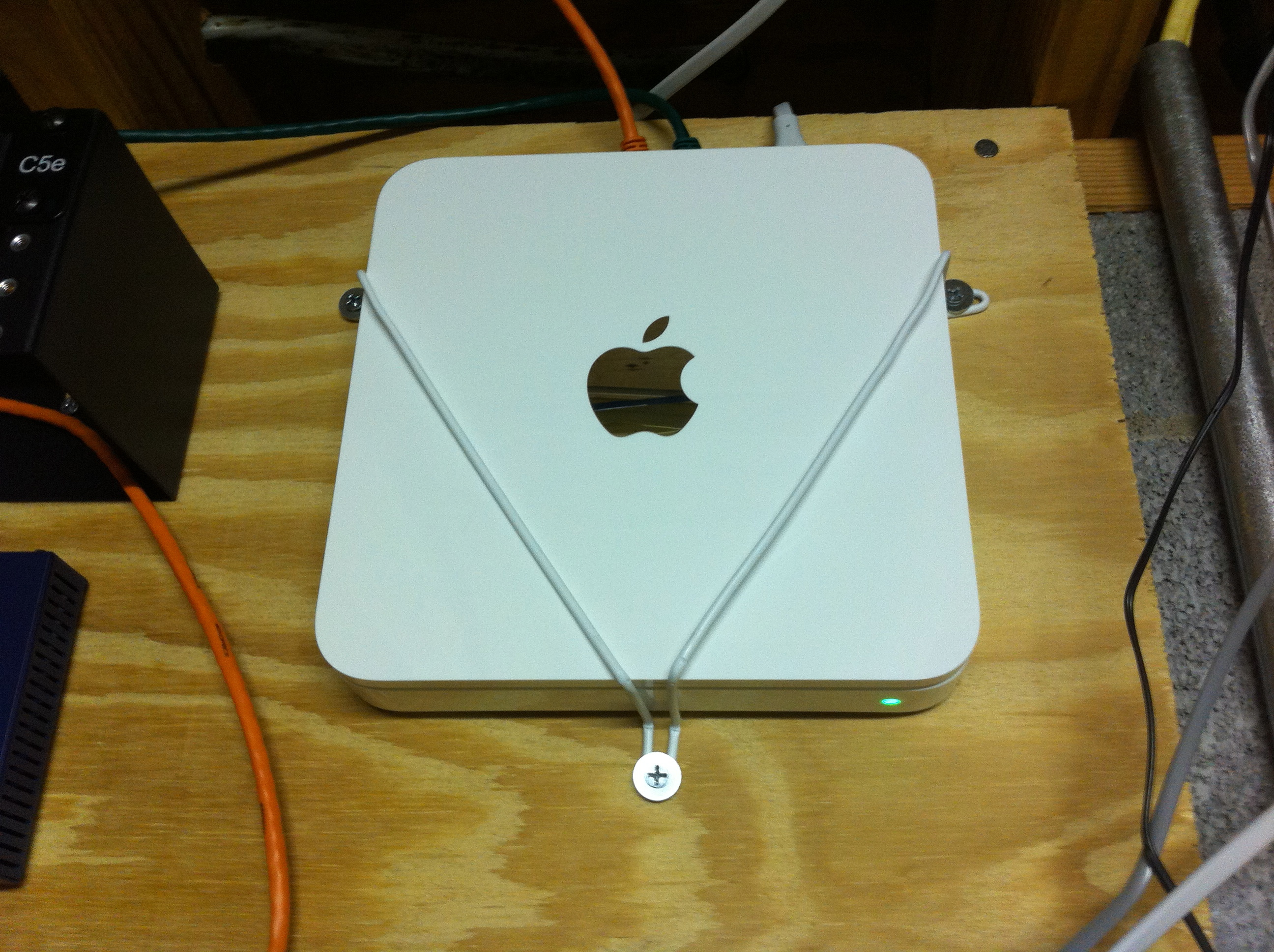 Quick, Free Apple Time Capsule Mount